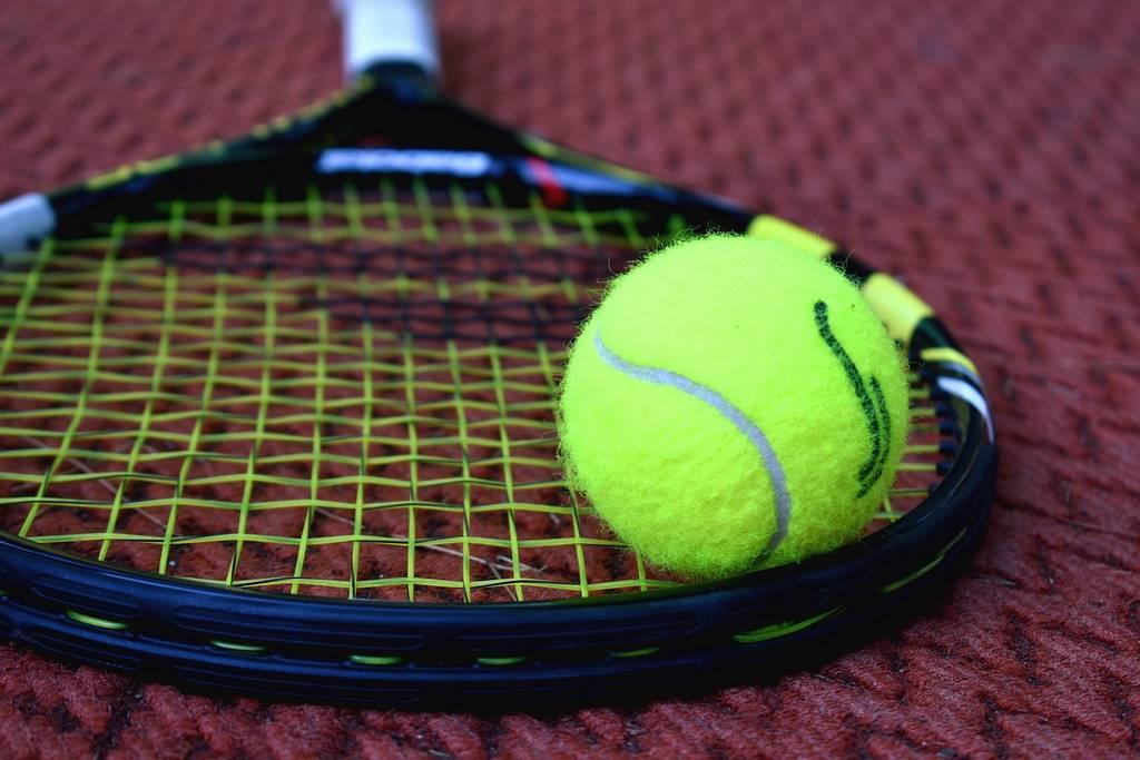 tennis-3552627_1280