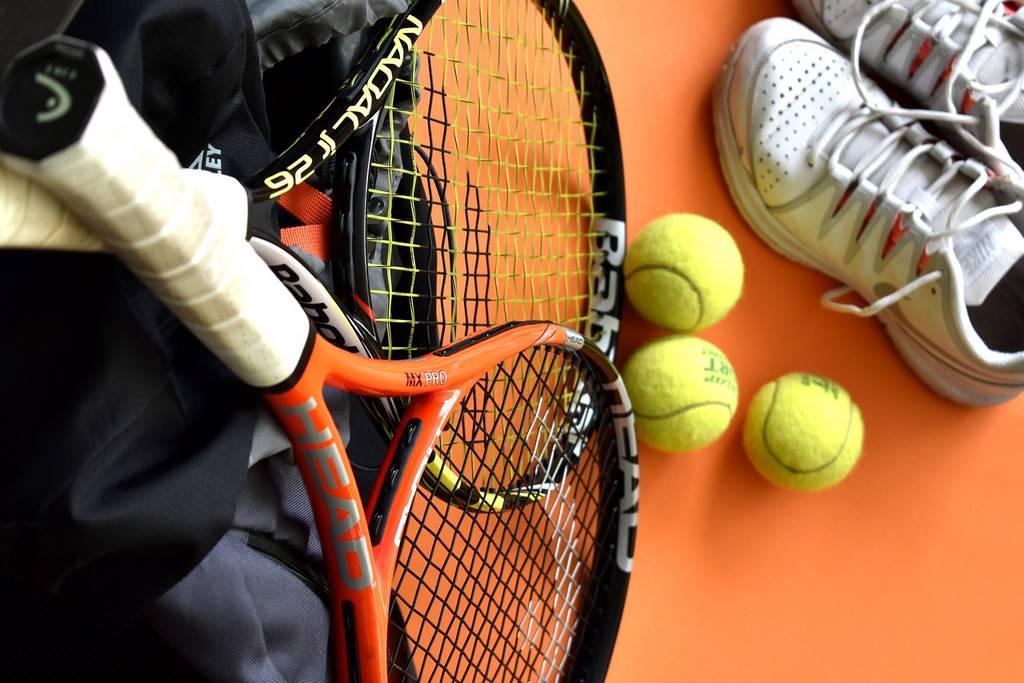 tennis-3556179_1280